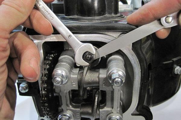 Непосредственно регулировка зазоров двигателя