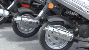 Скільки масла лити в скутер