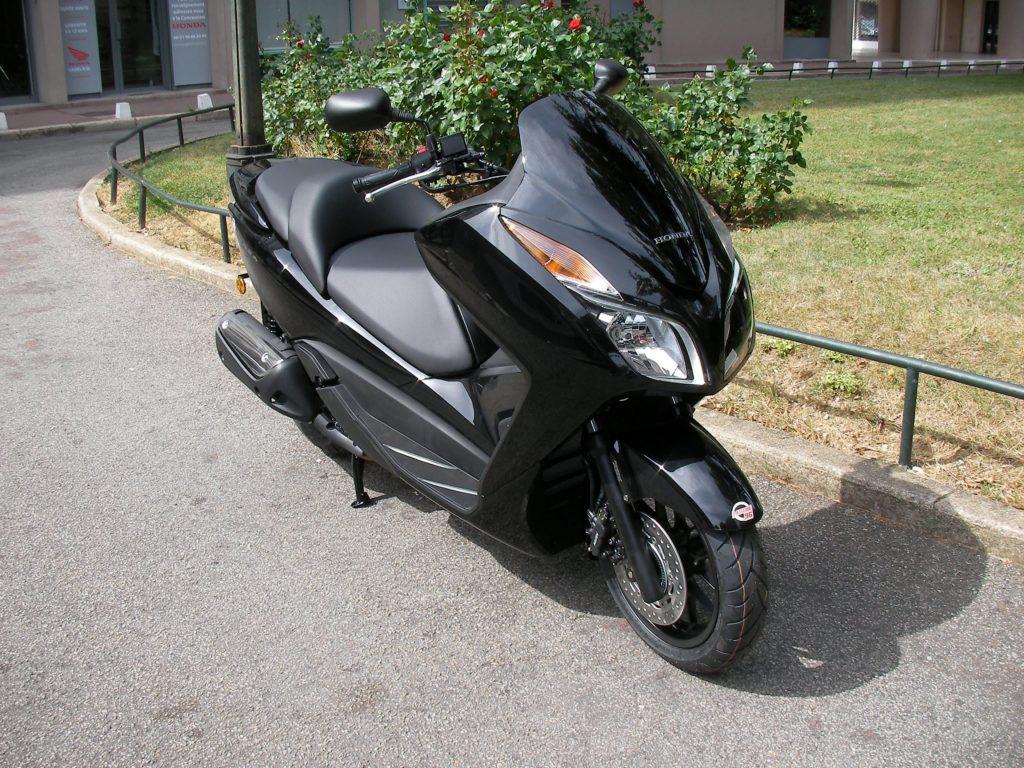 Бензин для Honda Forza 300